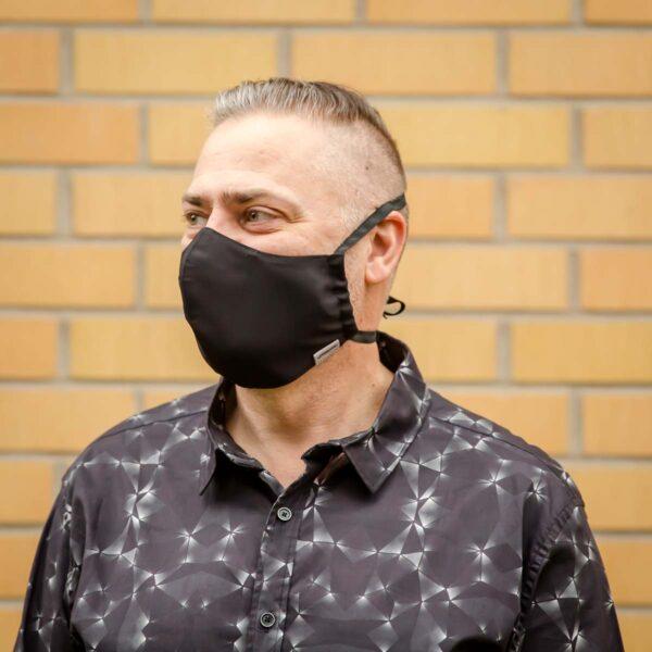 Miesten kangasmaski joka ei paina niskaa - Univormu